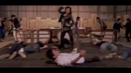 功夫女反派被正义男扭断脖子被杀