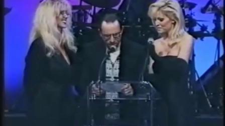 Janine Lindemulder & Julia Ann 担任颁奖礼颁奖嘉宾 1995