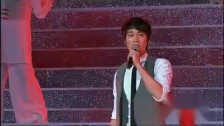 《少年强》演唱-陈国坤_2011年中央电视台群星跨年盛典