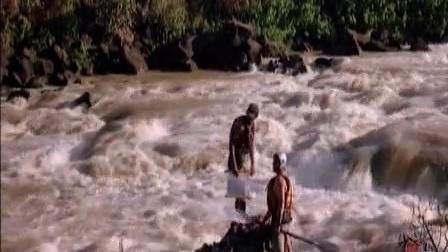 冲破鳄鱼群的尼罗河漂流
