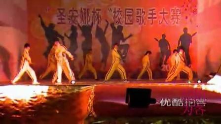 【拍客】年会群体双截棍表演