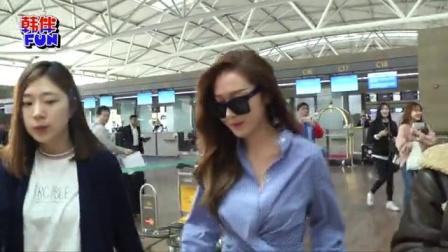 Jessica前往伦敦拍摄画报 性感锁骨迷人 160321