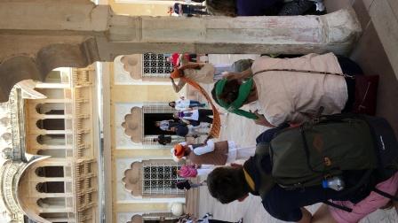 印度三哥展示如何包头巾