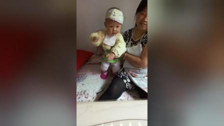 2018最新幼儿六一舞蹈:射洪中学幼儿小舞星小米康,十个月跳《小妹甜甜甜》舞蹈。