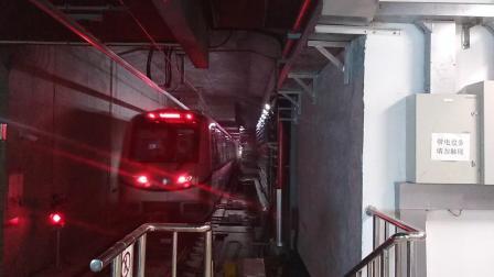南京地铁s7号线(013014)无想山站折返。