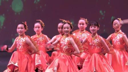 6. 少儿快板舞蹈 《竹板声声贺新年》