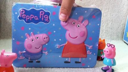 小猪佩奇分享曲奇饼干粉红猪小妹过家家