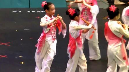 2. 少儿舞蹈《喜迎春雨》