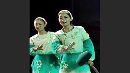 山东梆子《圣水河的月亮》:姐妹们欢天喜地扬笑脸(第一版)