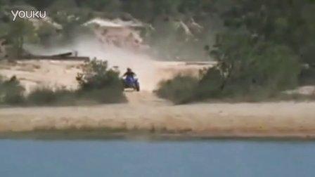 花样百出的沙滩车水上漂