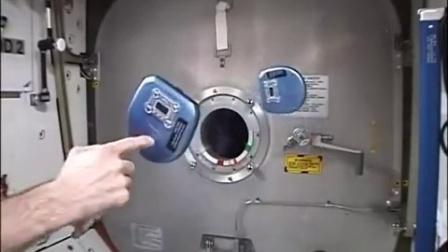 【冯导】在太空站发明用CD机制作陀螺稳定平台