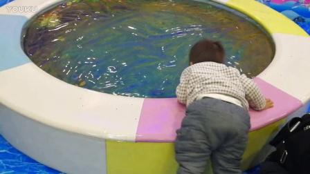 仿水蹦蹦床 儿童游乐园(宝宝1岁10个月啦)