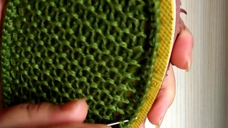 手工编织毛线鞋底上线的钩法3