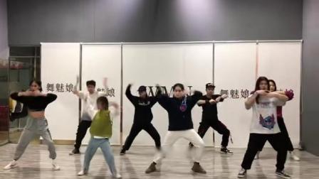 """广西南宁2019""""舞魅娘""""陈东校区-urban dance(都市街舞)课:…编舞(集体展示部分)1578762428550"""