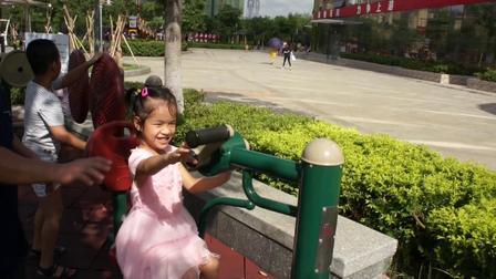 张家小兄妹欢乐玫瑰湖公园