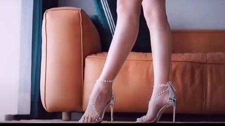 时尚穿搭野狼高跟鞋