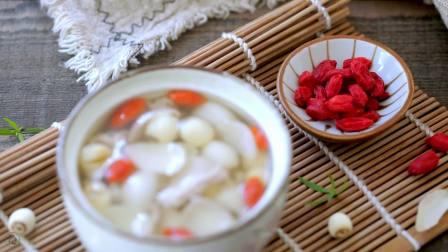 莲子枸杞百合瘦肉汤