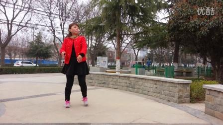 最新红衣广场舞 《又见山里红》 演示:红衣