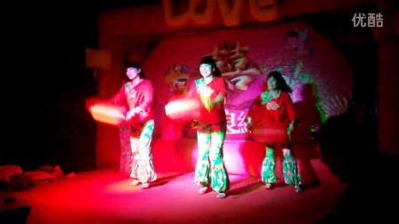 凤凰婚庆舞蹈《张灯结彩》