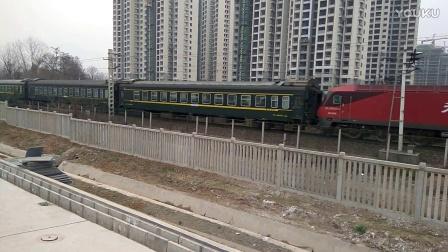 客车K768开出本务HXD3D0356