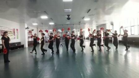 舞蹈《过河》