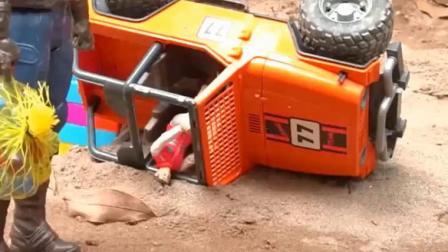 宝宝工程车 水泥搅拌车呼叫警车追捕搞破坏的坦克车.avi