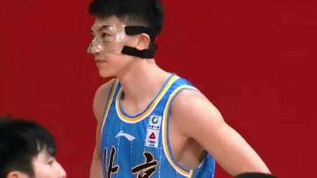 CBA上演罢赛闹剧 裁判致命判罚引北京队抗议
