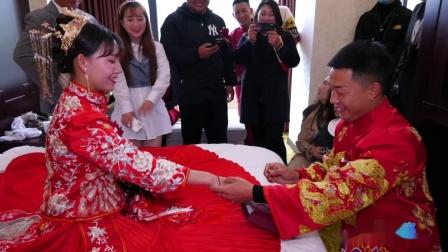 帅气的新郎李小龙 漂亮的新娘施建兰浪漫婚礼