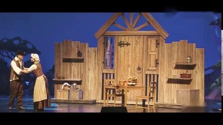 中英文儿童音乐剧《我们的糖果屋》2