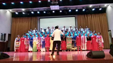 西大老年大学声乐A班表演大合唱《爱我中华》