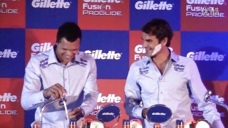 """费德勒和松加在2012""""吉列之旅""""新闻会上现场比赛刮胡子"""