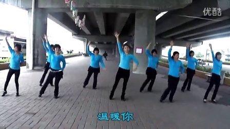 东莞乐怡广场舞,风从草地原来