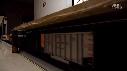 建设型蒸汽机车模型低速牵引客货混编列车