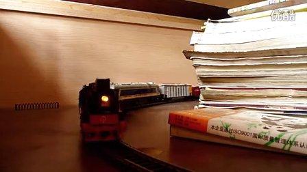 """建设型蒸汽机车""""重联""""东风8B机车牵引混编小货列"""