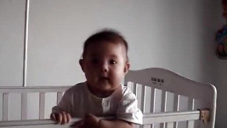 可爱宝宝香娃儿哭着笑