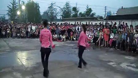 广场舞 山丹丹花开红艳艳