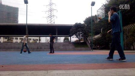 20130209 兄妹四人玩篮球