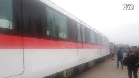 杭州地铁一号线被马达卡牵出浦厂厂房