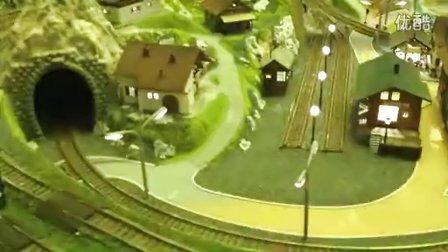 火车模型 布卢门菲尔德小镇沙盘未完工前的4车行车视屏