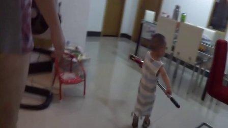 2012-06-29-磊磊玩拖把
