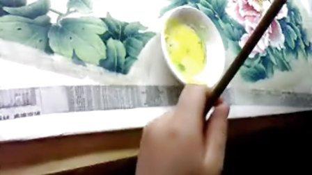 """沙力绢画【""""浅色牡丹""""(步骤九)""""点花蕊、画 小蜜蜂""""】4月10日"""