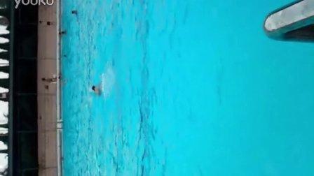 范老师游泳VID_20120810_191449