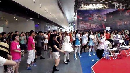 2013CCG舞蹈进化展台1