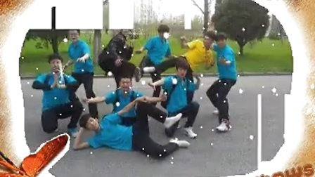 辽东学院北校区艺术团留念
