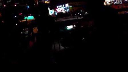 深圳街头乐队演唱BEYOND《海阔天空》