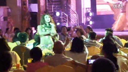新疆大巴扎歌舞表演-蛇舞