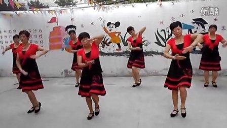 下侯村苗苗幼儿园舞蹈队【爱的奴隶】