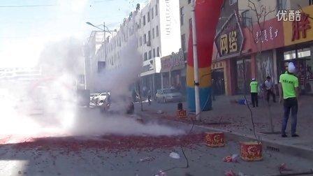 【拍客】吉林开业炫富燃放鞭炮酷似火灾现场!