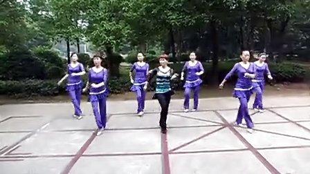 常德 临江公园 活力广场舞 牛仔舞《七年之爱》
