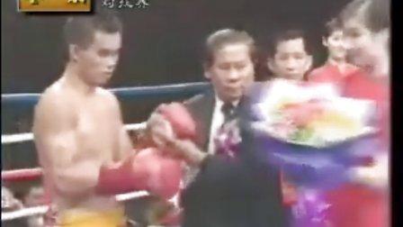 柳海龙暴打泰国拳王获金腰带